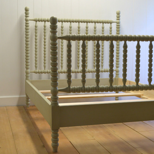 Hazel Spindle Bed in Sage Gray
