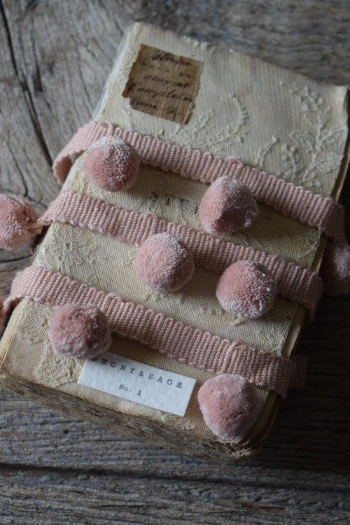 BEAUTIFULL POWDER PINK POM POMS
