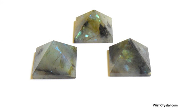 Labradorite Pyramid - 18 to 20 mm