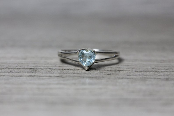 Cute Split Shank Aquamarine Heart Silver Ring