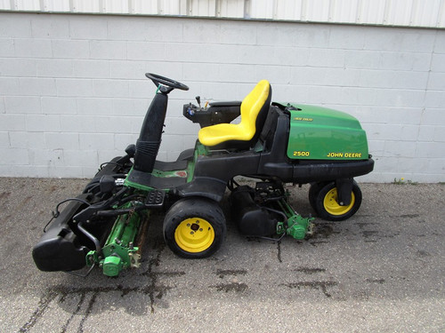 John Deere 2500 PARTS MACHINE