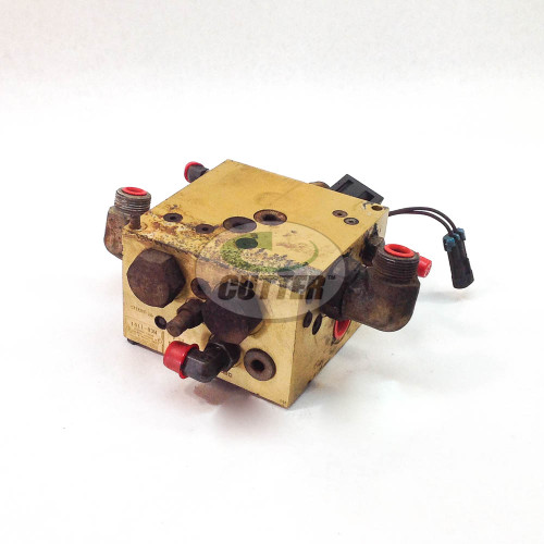 Used -  Manifold Assembly - Toro 100-3054