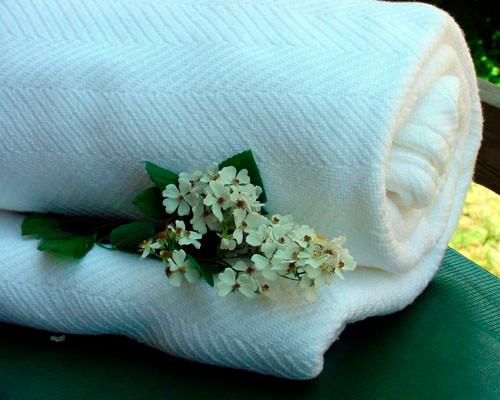 Queen White Chevron Cotton Blanket