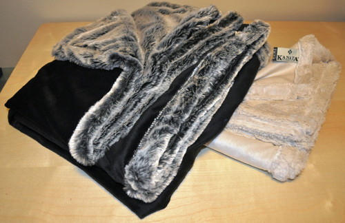 Kanata Velvafur Throw - Silver Grey