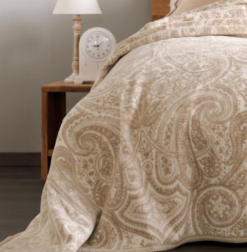 Ibena Germany Bordeaux Full / Queen Bed Blanket