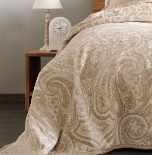 Ibena Germany Bordeaux Full / Queen Bed Blanket