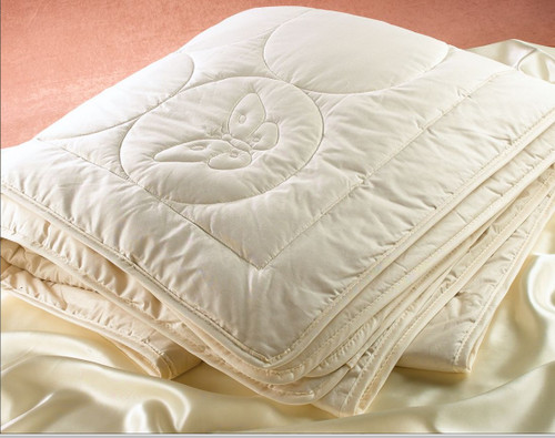 DownTown Company Silk Comforter