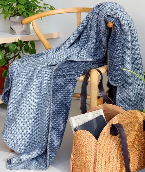 Biederlack Close Up Blue Blanket