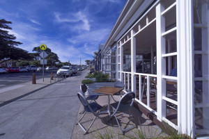 One of many cafes with beach views (Pt Lonsdale)