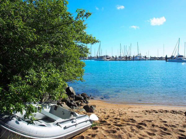 Escape to Airlie Beach paradise (Whitsundays)