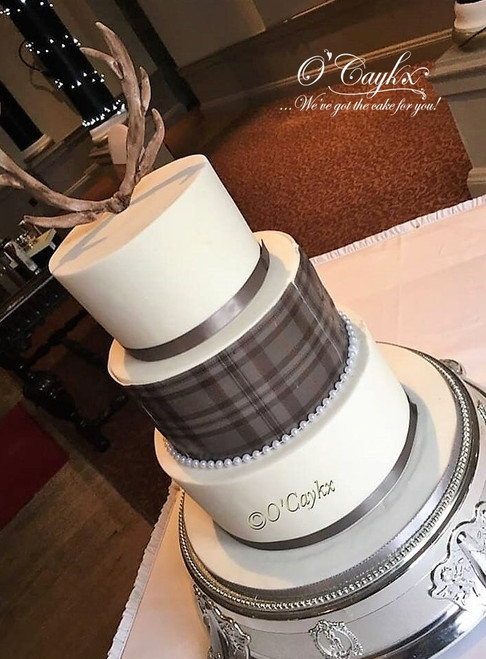 Tartan Wrap & Antler Wedding Cake