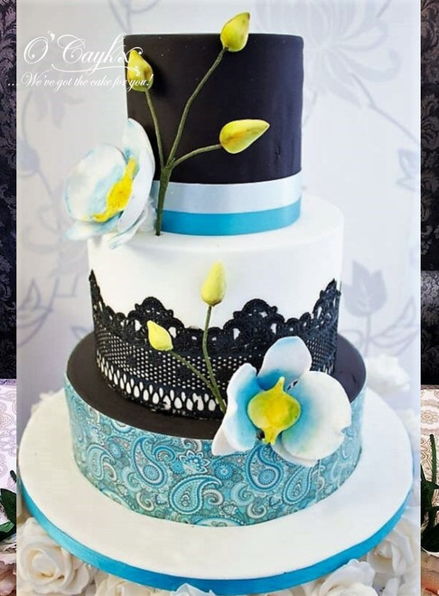 Vintage Wrap Wedding Cake