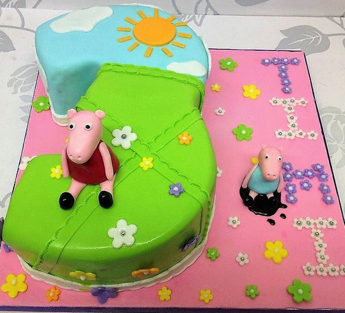 Peppa Pig and Pig Number Cake