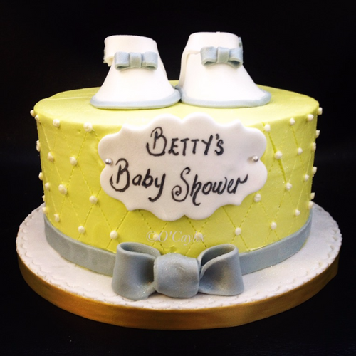 Buttercream cake with booties