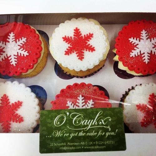 Red & White Snowflake Christmas Cupcakes