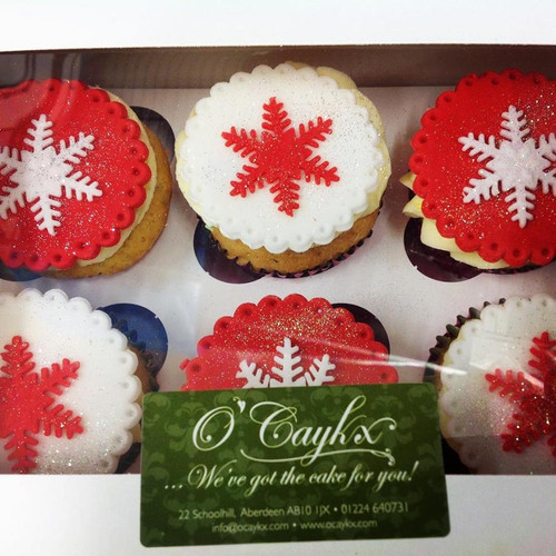Red & White Snowflake Christmas Cupcakes