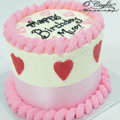 Buttercream Cake with Fondant Love hearts
