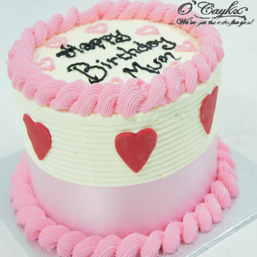Buttercream Cake with Fondant Love hearts