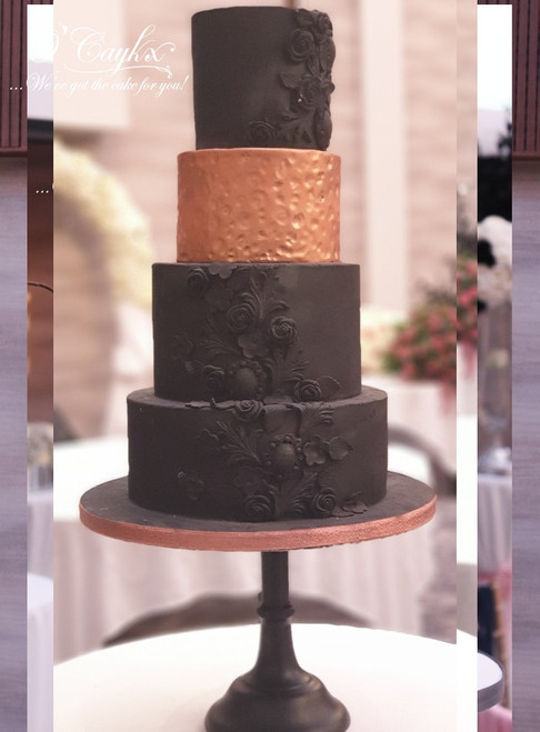 Black Embellishment Wedding Cake