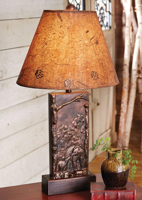 Bronze Bear Scene Lamp