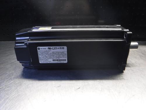 Allen-Bradley Kinetix VP Low Inertia Servo Motor CAT VPL-B1306F-PK14AA (LOC3027A)