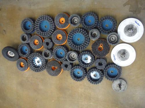 """Lot Of Qty 26 Nylon Brushes Various Sizes Range 4"""" To 8.5"""" (LOC1986B)"""