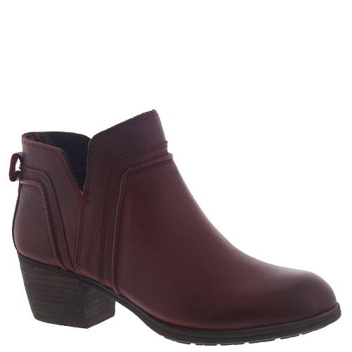 Anisa V Cut Boot Red