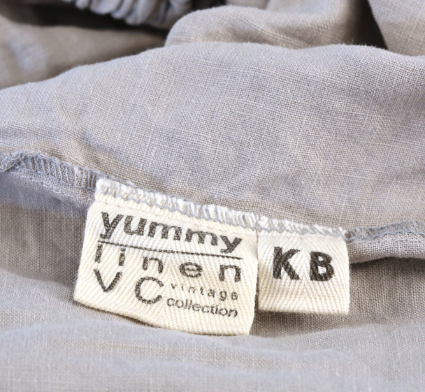 Deep pocket 45cms + extra sheet width for your fitting comfort. KB label is designed to go at the head or foot of your bed so you always know which way the sheet fits.