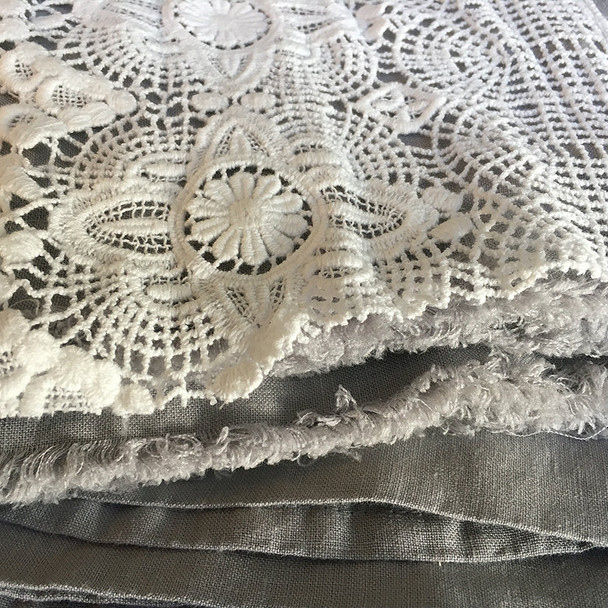 7 inch cotton lace + Linen sheet set, queen size Yummy Linen Brand.