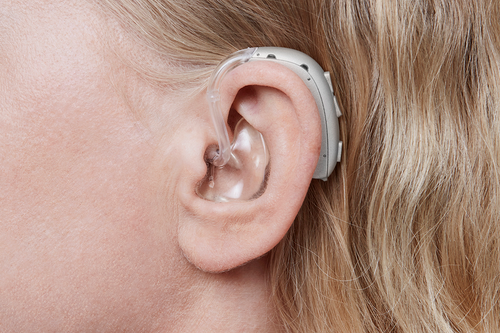 Oticon Xceed is the only powerful hearing aid on the market with an open sound experience. So now it takes less listening effort to be part of conversations even with several people.