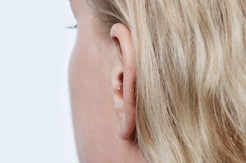 The smallest in the Oticon Siya family, Oticon Siya Invisible-In-the-Canal* hearing aid sits deep in the ear canal where no one will notice it. A small plastic removal string is accessible but not noticeable, making removal easy and discreet.