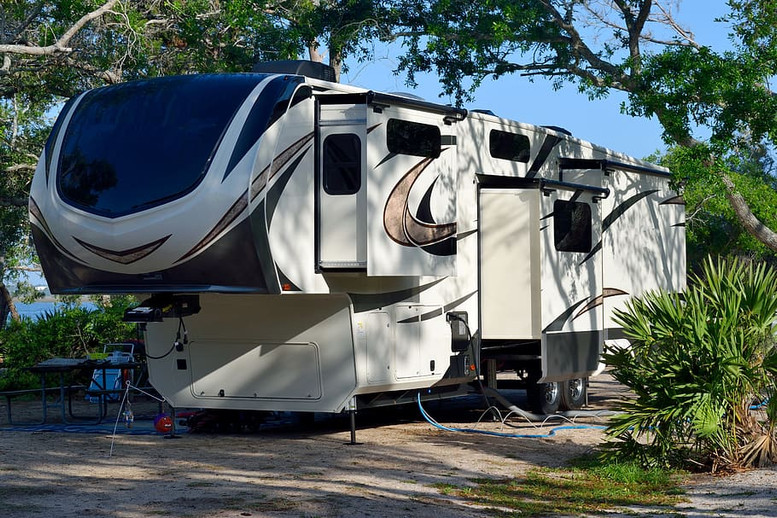 What To Look For When Buying RV AC Units
