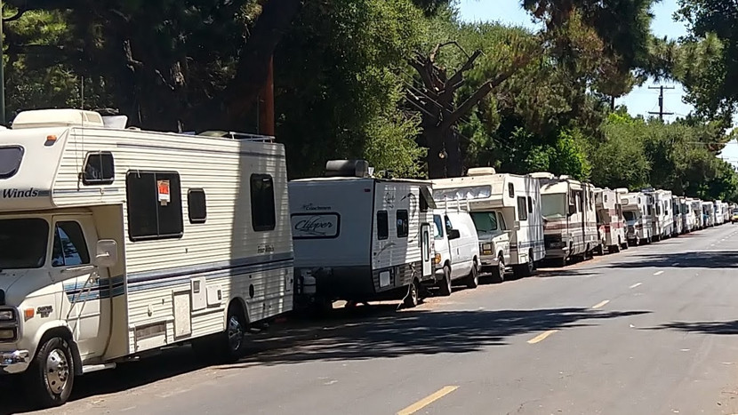 4 RV Etiquette Tips to Use at the Campground This Year