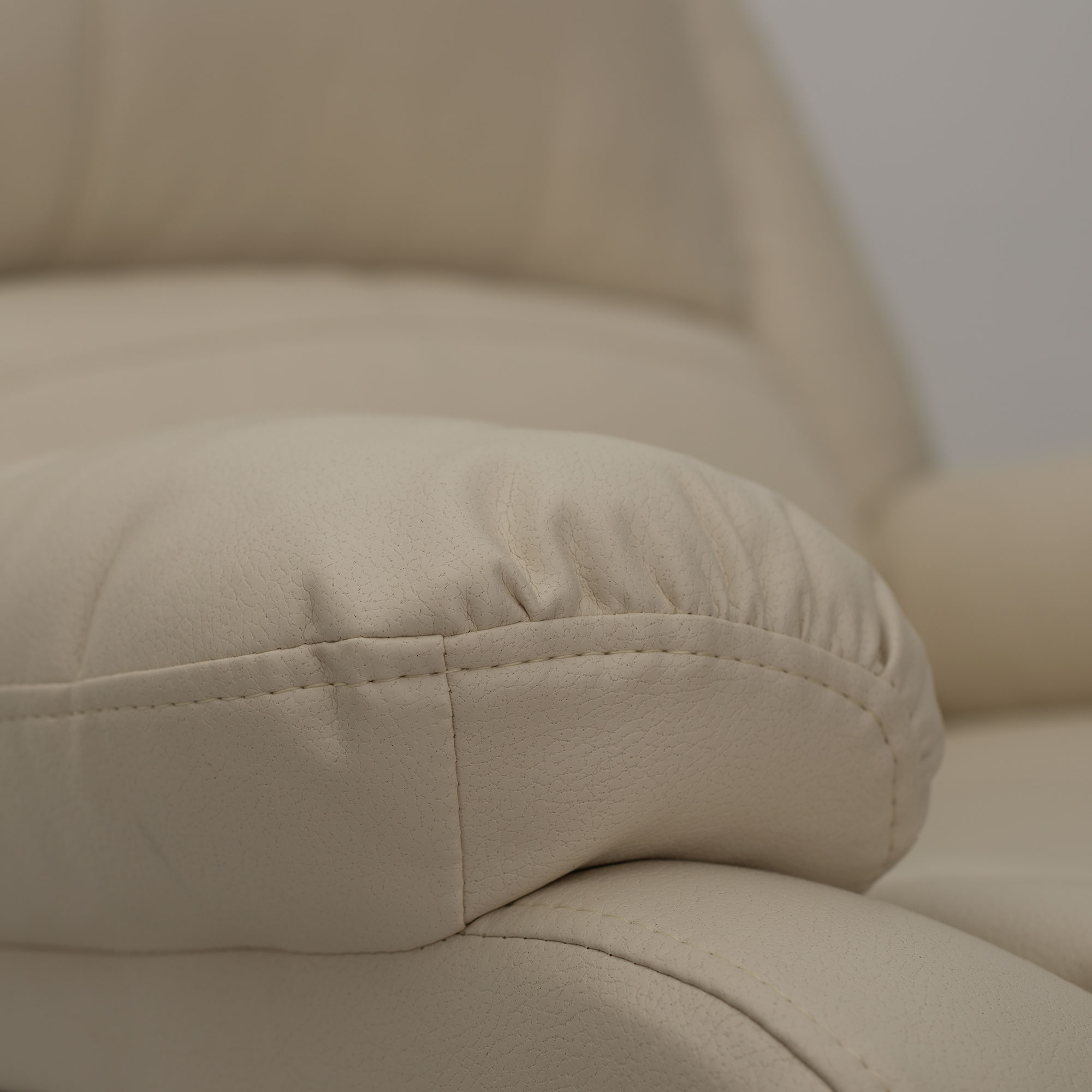 RV Swivel Glide Recliner in Birch