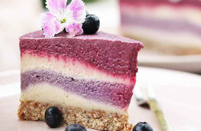 Be Good Organics' Berry & Beetroot Cheesecake