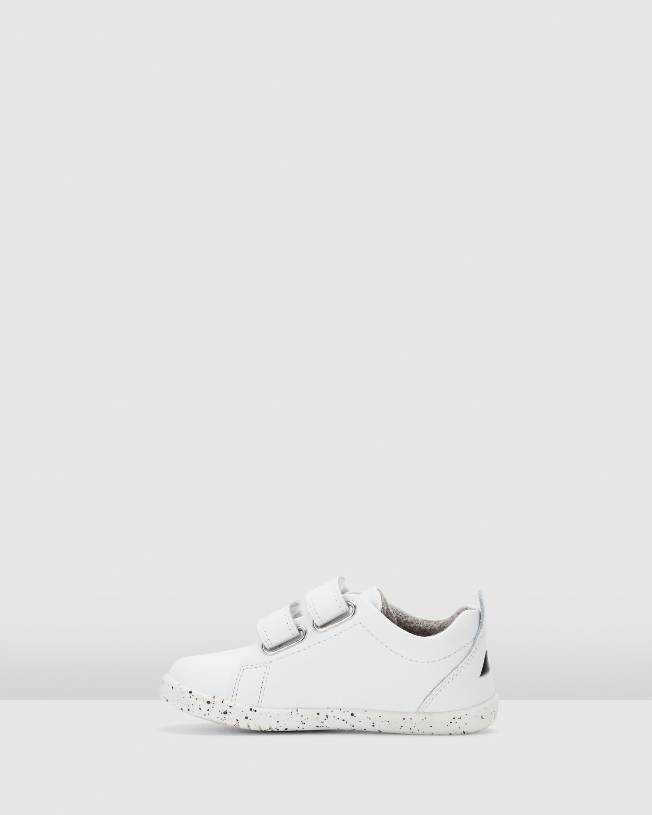 Shoes & Sox Girls Iwalk Grass Courts Switch White