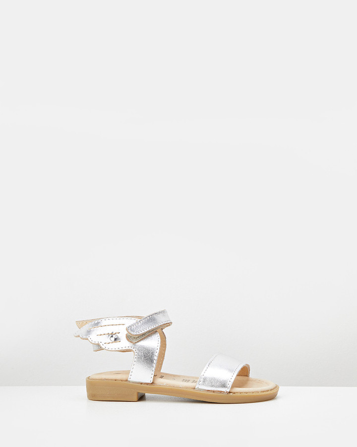 Shoes and Sox Flying Sandal Silver