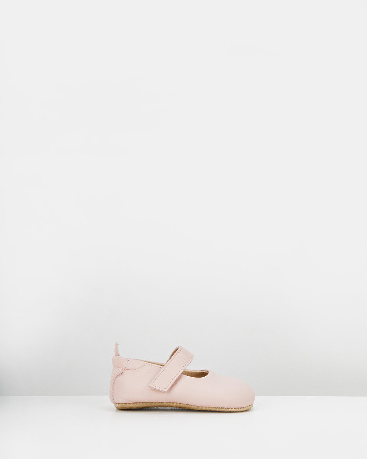 Shoes and Sox Gabrielle Mary Jane Powder Pink
