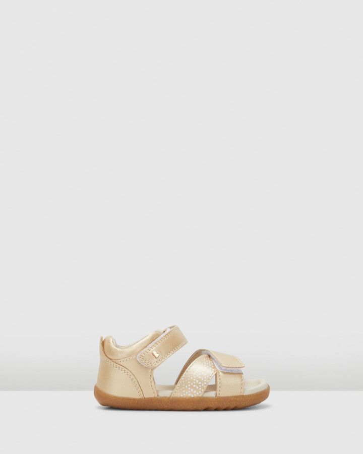 Shoes and Sox Step Up Sail Comet Sandal Gold