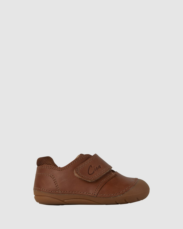 Shoes and Sox Bailey Sport B Tan