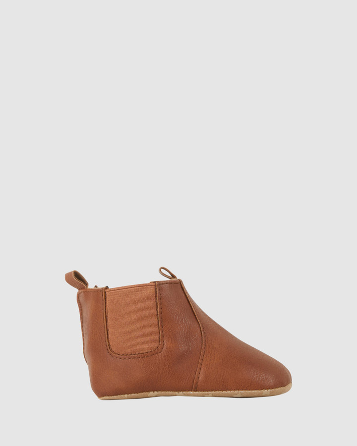 Shoes and Sox Kip Gusset Boot B Tan