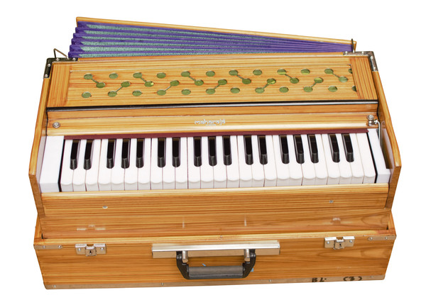 MAHARAJA MUSICALS Harmonium No. 669 -   Folding 3 Reed, Safri, Portable In-Flight Edition, Natural Color,  A440, 42 Keys, Multi-fold Bellow, Well-tuned