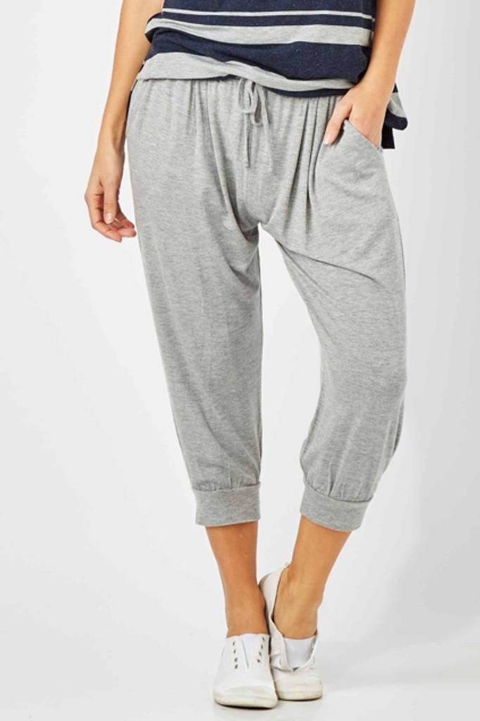 Women's Pants | Tokyo 3/4 Pant in Grey | BETTY BASICS