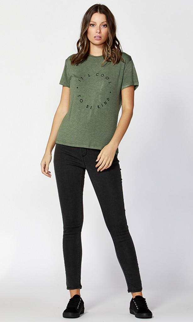Women's Tops | London Tee | BETTY BASICS
