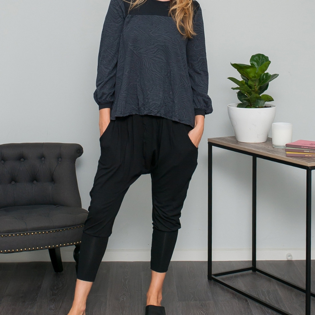 Ladies Pants | Dropped Crotch Pant in Black | VIGORELLA