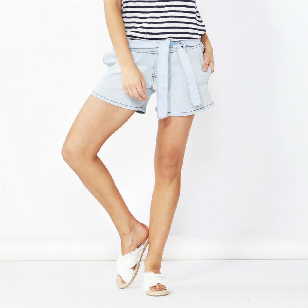 Women's Shorts | Alex Stretch Stretch Denim Short |BETTY BASICS