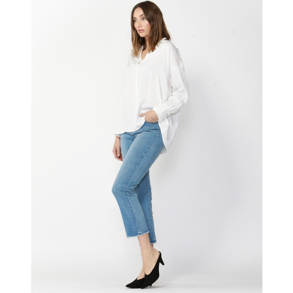 Tops For Women | Daytime Oversized V-Neck Shirt | FATE + BECKER