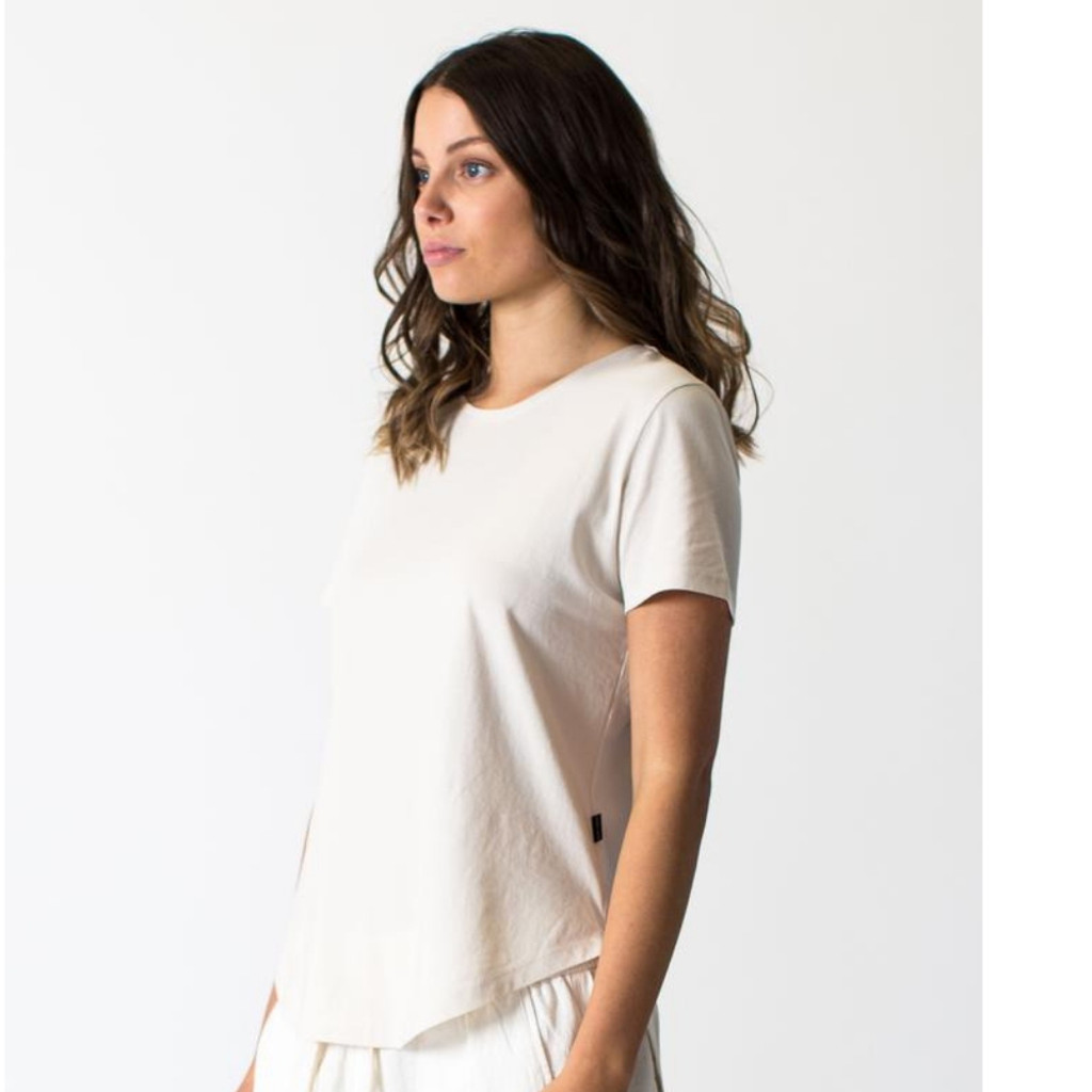Women's Tops | Saddle Hem Tee in Beige  | CASA AMUK