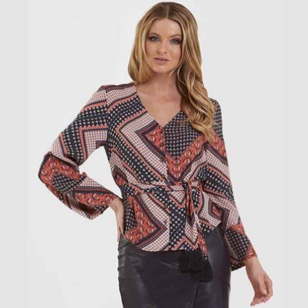 Women's Tops | Boho Chic L/S Top | AMELIUS