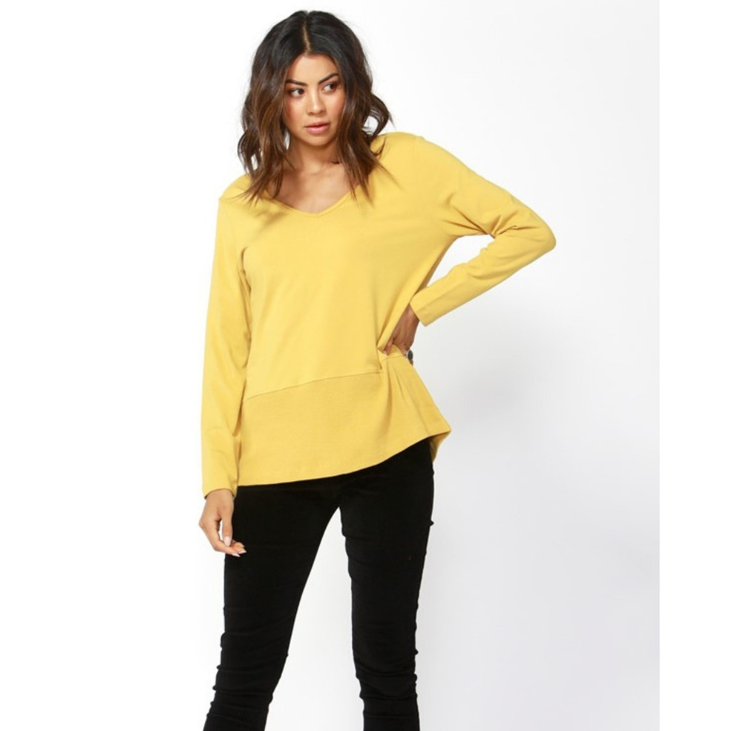 Kimberly Spliced Top in Mustard by BETTY BASICS*
